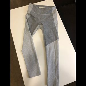 Outdoor Voices Size Small Legging